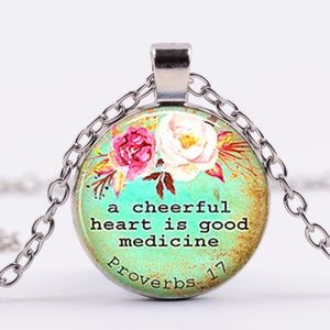 Cheerful heart pendant chain w/ necklace